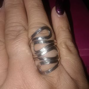 Jewelry - Sterling silver bold the ring size 9